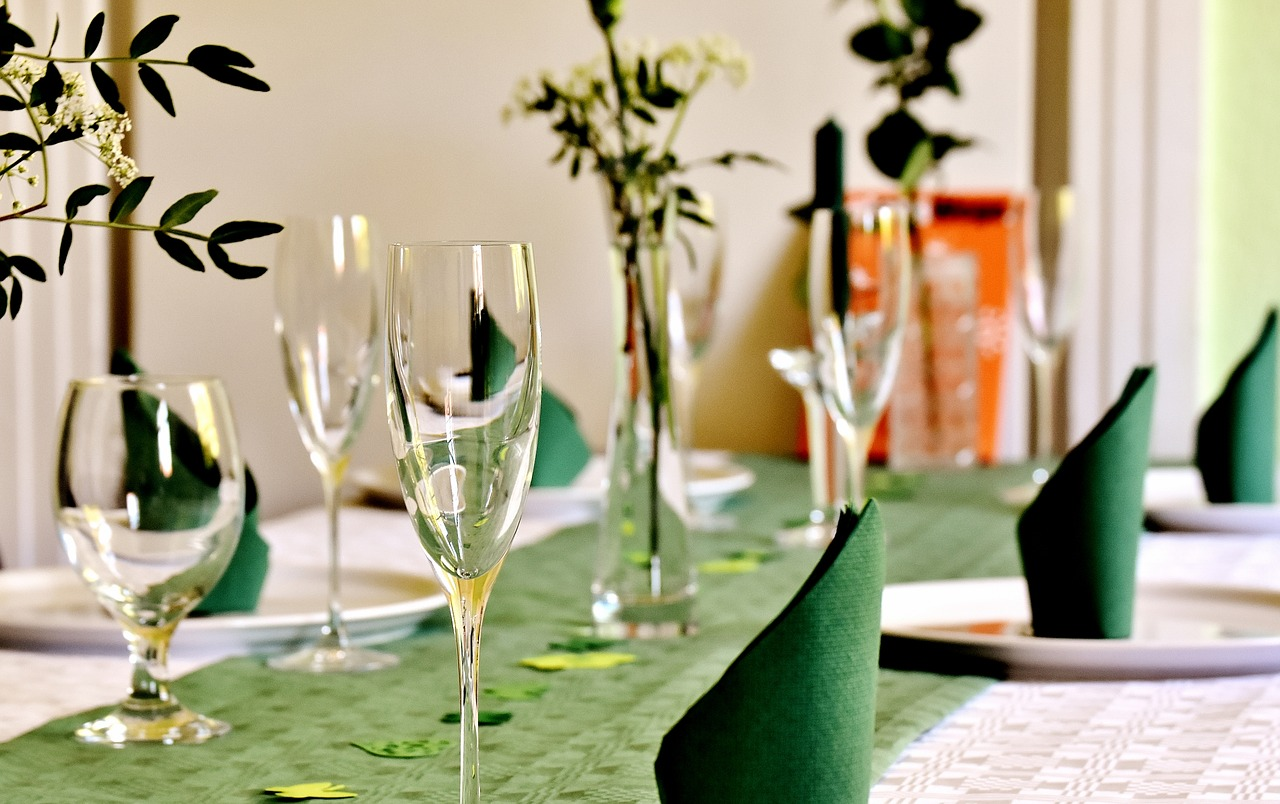 Holiday Party Planning? Look For Green Napkins!